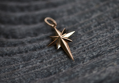 10K COMPASS ROSE NECKLACE CHARM
